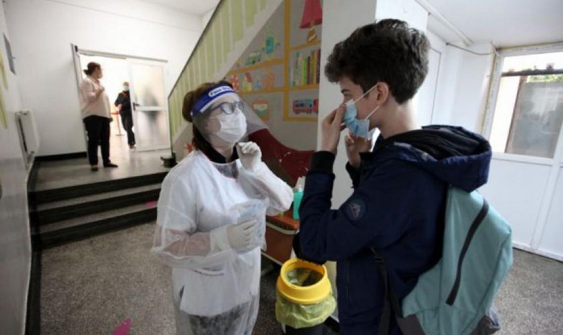 Ce se întâmplă cu redeschiderea şcolilor după focarul cu noua tulpină de coronavirus din Capitală. Ministrul Educatiei a făcut anunţul