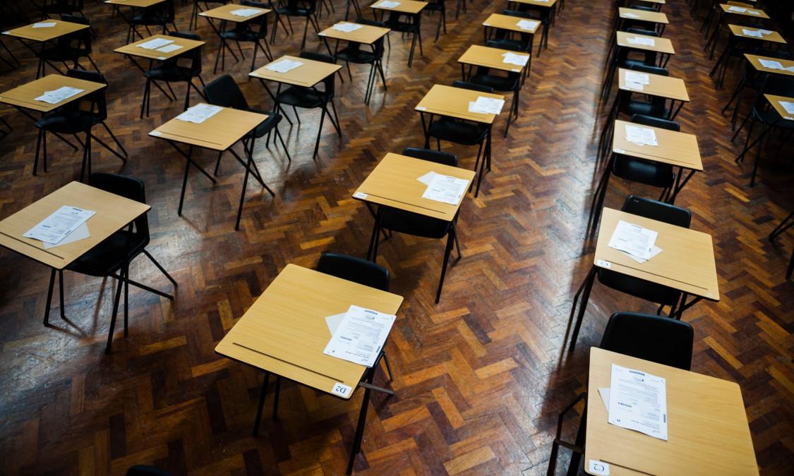 """Şcoli închise!!! Premierul anunţă că se redeschid """"poate pe 8 martie"""""""